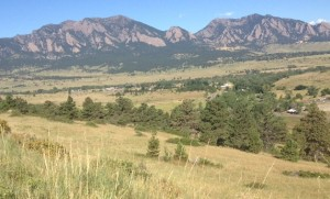 Long path with view of the Flatirons